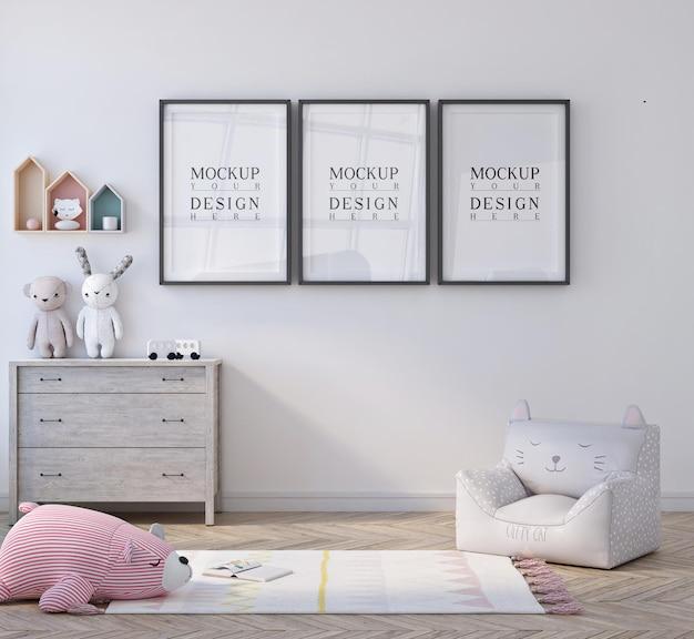 포스터 액자 모형과 함께 귀여운 작은 아이 침실 프리미엄 PSD 파일