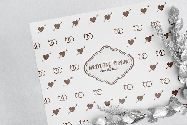 かわいい結婚式フレームの招待状