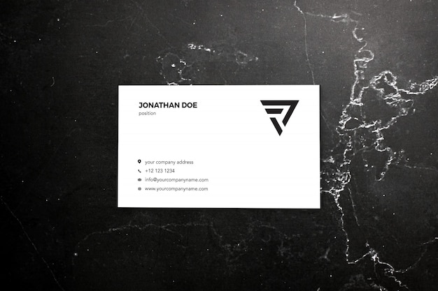 Темный мраморный макет визитки