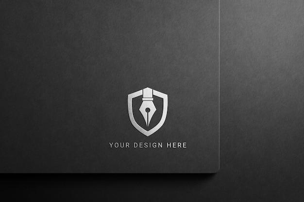 暗い紙のロゴのモックアップ