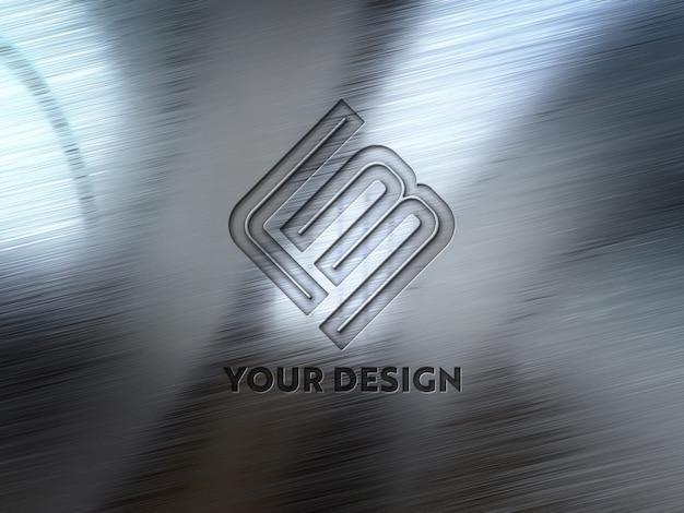 金属板に型押しロゴ