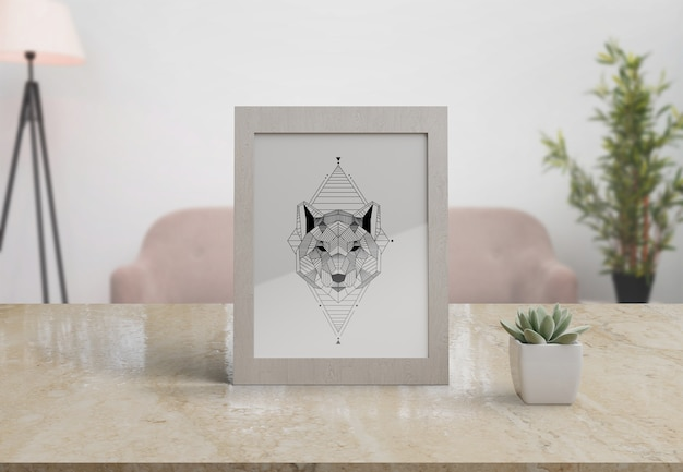 Декоративная рамка-макет на столе в домашних условиях