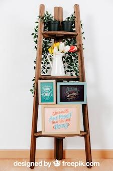 Mockup decorativo di cornici in mobili