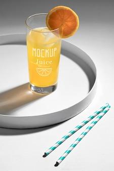 Макет концепции вкусного детокс-сока