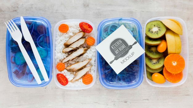 Delicious healthy food with sticky note