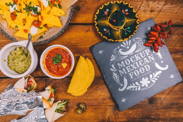 Delicious mexican food concept mock-up