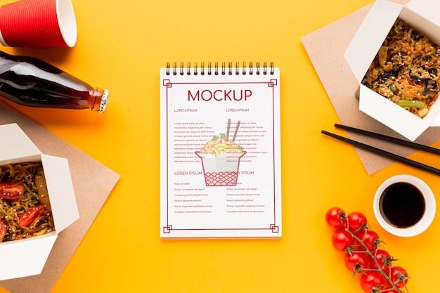 Mock-up di concetto di cibo di strada delizioso