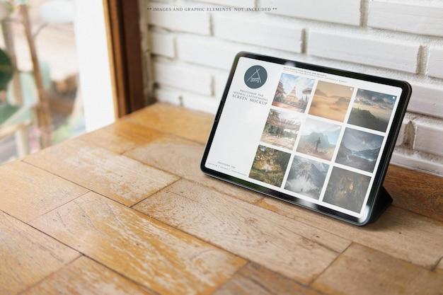 Digital tablet device on deskscreen mockup