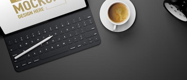 키보드와 스타일러스 펜이있는 디지털 태블릿 모형