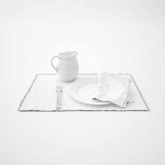 Посуда, вилка и салфетка