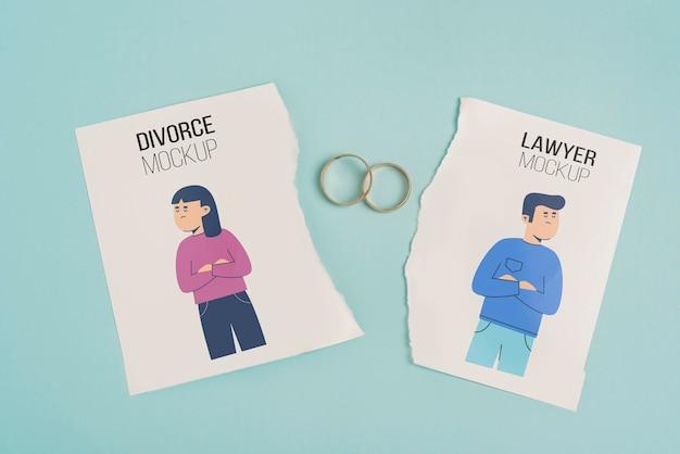 Concetto di divorzio con anelli di nozze d'oro