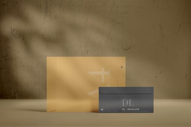 큰 봉투 모형이있는 dl 봉투