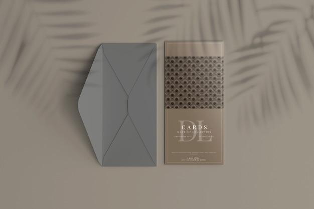 Dlポストカードまたは招待状のモックアップ