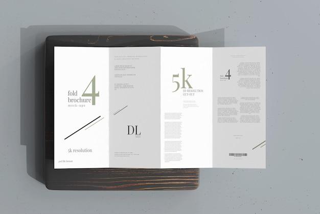 Mockup di brochure a quattro pieghe formato dl