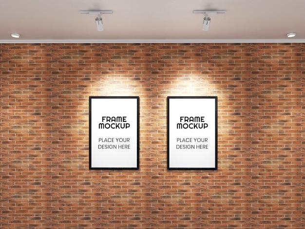 벽돌 벽에 더블 포토 프레임 모형