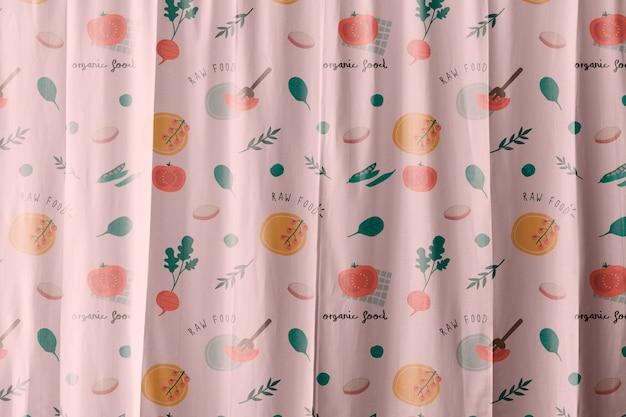 핑크 꽃 패턴 디자인의 커튼 목업 psd