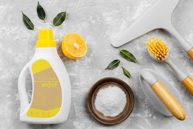 Assortimento di prodotti per la pulizia ecologica