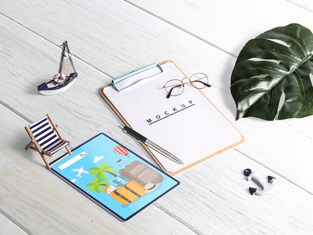Editable isometric clipboard mockup with summer elements