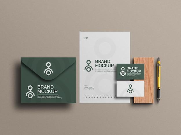 Элегантный конверт с макетом фирменного бланка