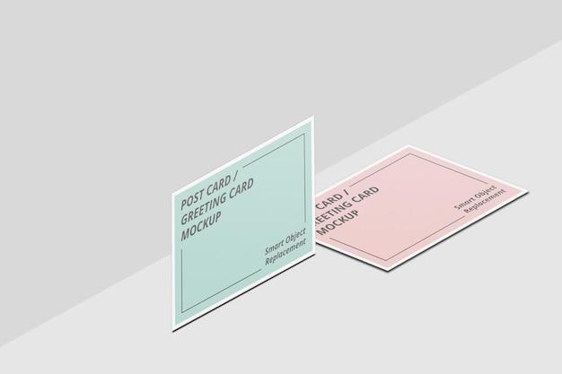 エレガントな招待状やはがきのモックアップデザイン