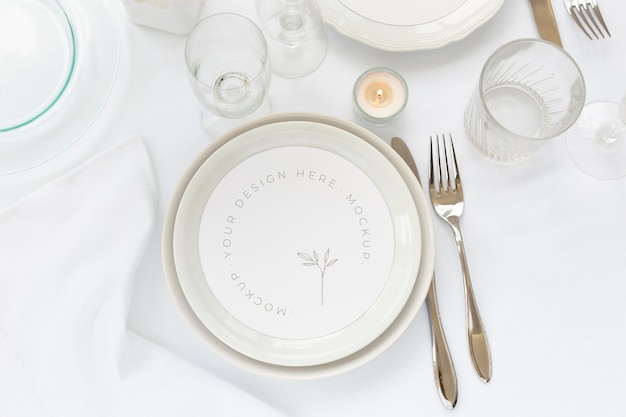 Elegant tableware assortment with round mock-up card