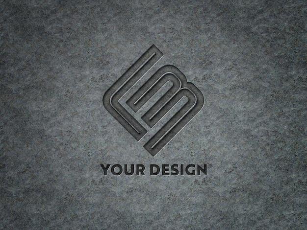 Гравированный логотип на металлической пластине макет