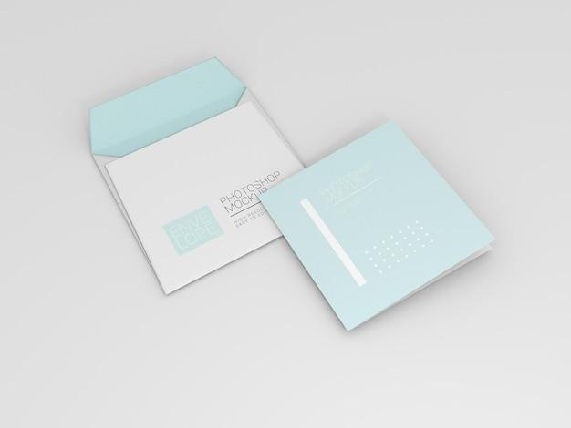 Mockup di busta con carta quadrata