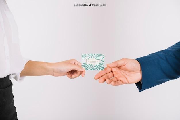 Руководители, меняющие визитную карточку