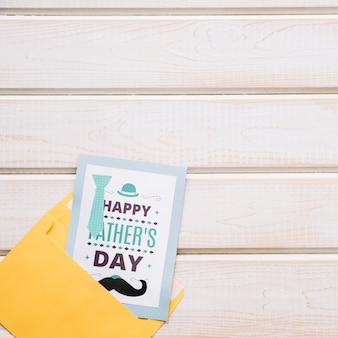 カードと封筒で父親の一日モックアップ