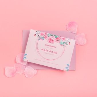15 생일 초대장 및 꽃잎 평평하다