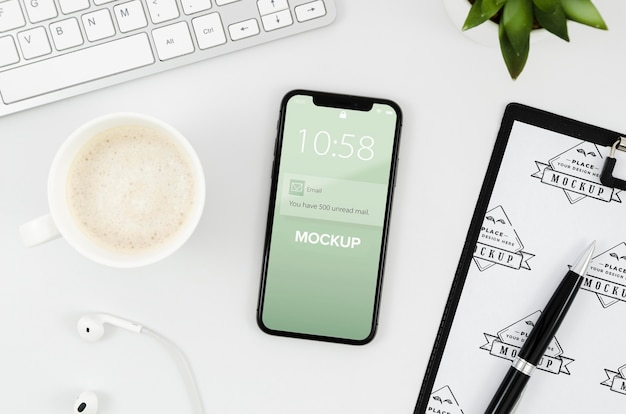 Плоский буфер обмена и макет смартфона