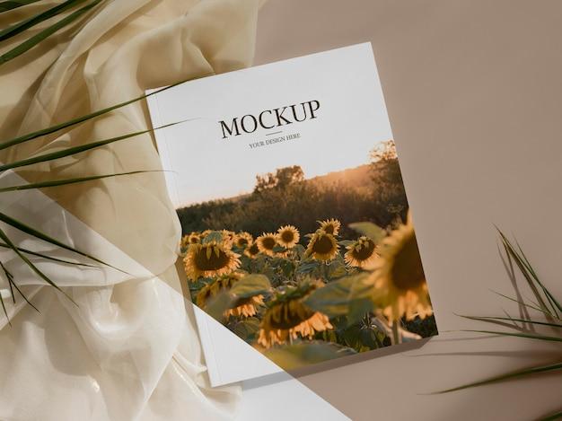 Журнал плоской планировки и ассортимент листьев