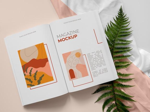 평평한 잡지 및 식물 모형