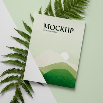 잎 배열이있는 평평한 자연 잡지 표지 모형