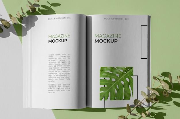 잎 구색이있는 평평한 자연 잡지 표지 모형