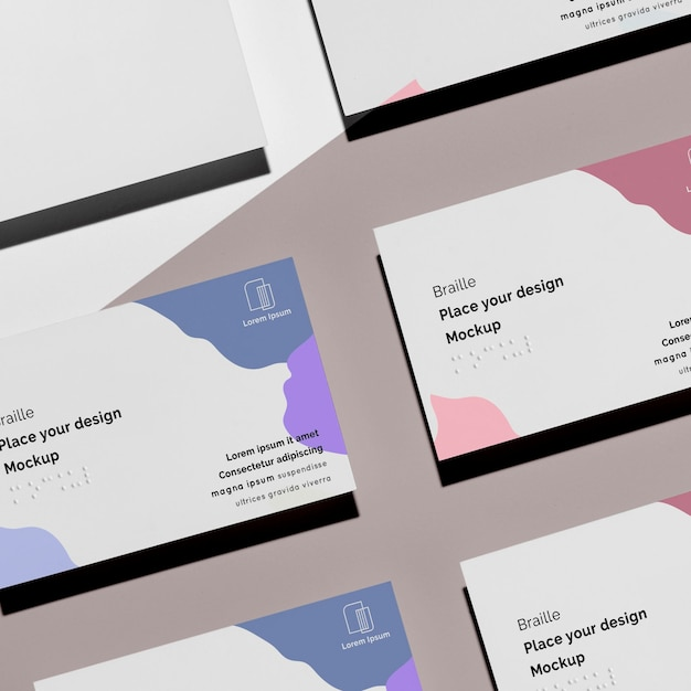 Плоские визитки с тисненым шрифтом брайля