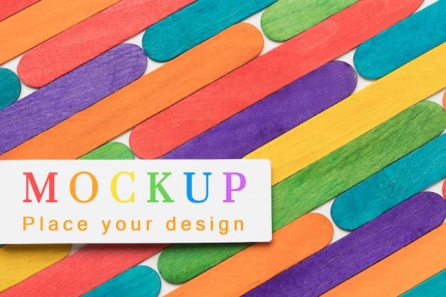 多様性のための虹色のフラットレイ
