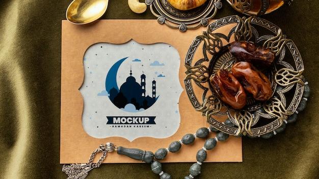 Mockup di stampa ramadan piatta lay