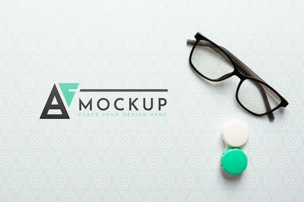 Disposizione piatta di occhiali da vista mock-up