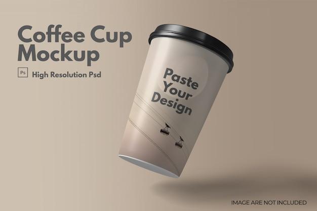 Макет плавающей кофейной чашки с крышками