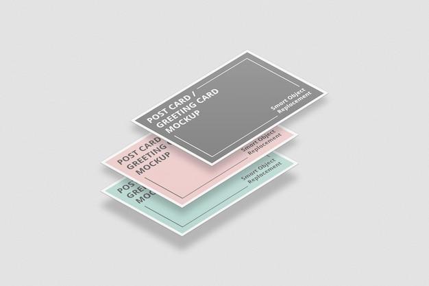 フローティングポストカードのモックアップまたは招待状