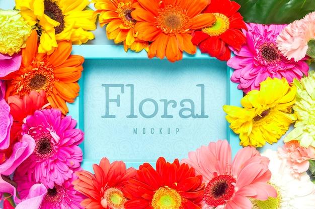カラフルな植物と花のモックアップ