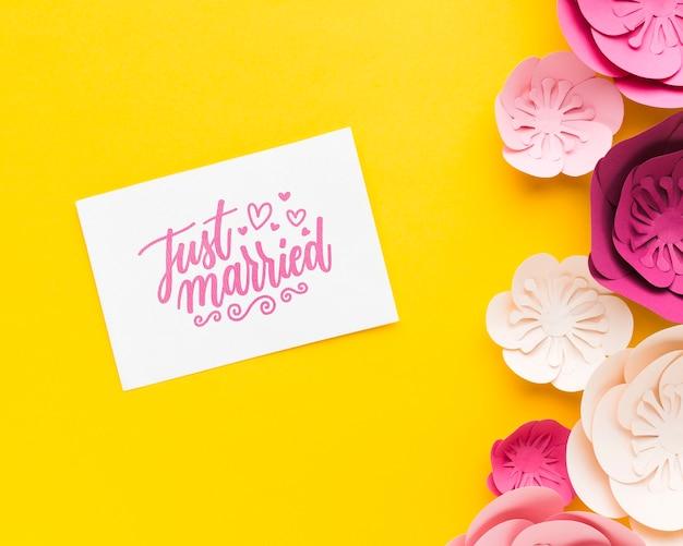 花の結婚式のコンセプトのモックアップ
