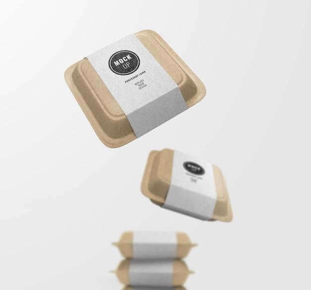 Флаер фаст-фуд бумажная коробка и этикетка реалистичные макет