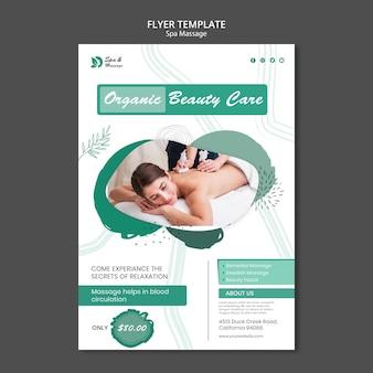 Modello di volantino per massaggio termale con donna