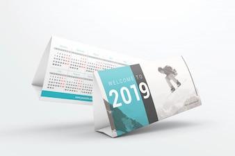 フライングデスクカレンダーモックアップ