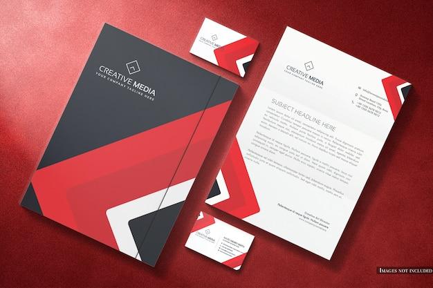 Папка, фирменные бланки и визитки минимальный набор канцелярских товаров макет