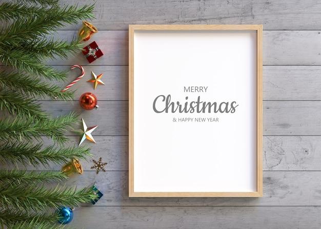 クリスマスの装飾が施されたフレームのモックアップ