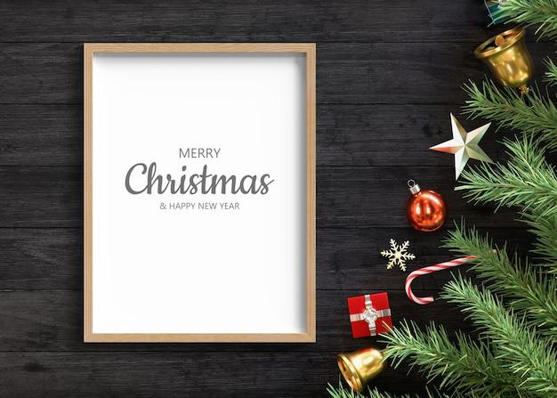 Макет рамки с рождественским украшением