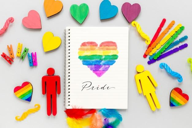 Рамка из сердец и пол символа